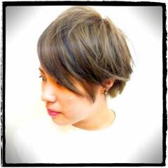 ストリート ショート ナチュラル 黒髪 ヘアスタイルや髪型の写真・画像