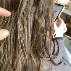 透明感カラー 360度どこからみても綺麗なロングヘア 圧倒的透明感 ナチュラル ヘアスタイルや髪型の写真・画像
