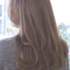 ハイライト 小顔 大人女子 グレージュ ヘアスタイルや髪型の写真・画像