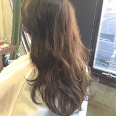 ロング 外国人風 グレージュ アッシュベージュ ヘアスタイルや髪型の写真・画像