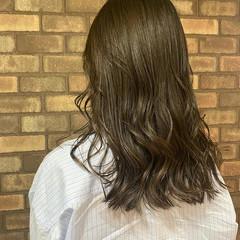 大人ミディアム アディクシーカラー ナチュラル 艶髪 ヘアスタイルや髪型の写真・画像