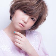 小顔 大人かわいい アッシュ ショート ヘアスタイルや髪型の写真・画像