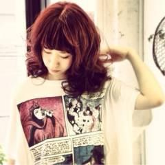 ストリート ガーリー セミロング 卵型 ヘアスタイルや髪型の写真・画像