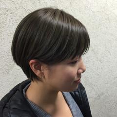 マット モード ナチュラル 暗髪 ヘアスタイルや髪型の写真・画像