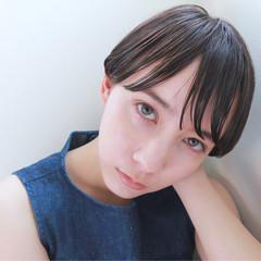 暗髪 モード ストレート ウェットヘア ヘアスタイルや髪型の写真・画像