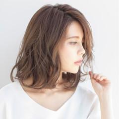 大人かわいい パーマ ナチュラル デジタルパーマ ヘアスタイルや髪型の写真・画像