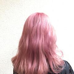 ガーリー ピンク ミディアム ダブルカラー ヘアスタイルや髪型の写真・画像
