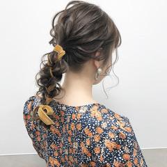 セミロング ポニーテール ハイトーン 大人可愛い ヘアスタイルや髪型の写真・画像
