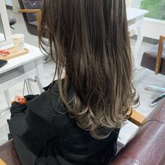 ベージュ グラデーションカラー ナチュラル 大人かわいい ヘアスタイルや髪型の写真・画像