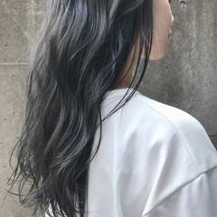 ロング グレージュ ナチュラル 透明感 ヘアスタイルや髪型の写真・画像