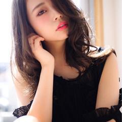 ゆるふわ 暗髪 くせ毛風 ナチュラル ヘアスタイルや髪型の写真・画像