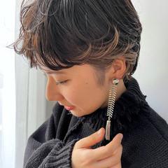 ショートボブ ショート ベージュ インナーカラー ヘアスタイルや髪型の写真・画像