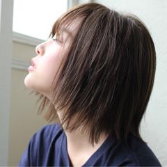 ウェットヘア ナチュラル ボブ 切りっぱなし ヘアスタイルや髪型の写真・画像