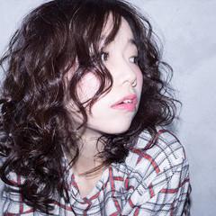 外国人風 パーマ 簡単 モード ヘアスタイルや髪型の写真・画像
