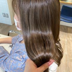 艶髪 透明感カラー ナチュラル ベージュ ヘアスタイルや髪型の写真・画像