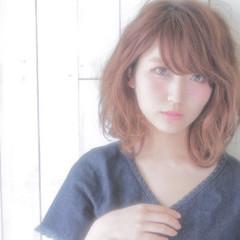 ミディアム フェミニン アッシュ 外国人風 ヘアスタイルや髪型の写真・画像