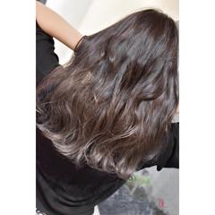 ロング ダークグレー モード アッシュグレー ヘアスタイルや髪型の写真・画像