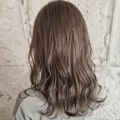 ヌーディベージュ フェミニン ブリーチ無し ノーブリーチ ヘアスタイルや髪型の写真・画像