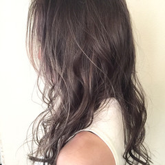ハイライト セミロング 外国人風 暗髪 ヘアスタイルや髪型の写真・画像