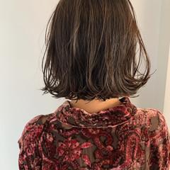 グレーアッシュ 外ハネボブ ナチュラル ボブ ヘアスタイルや髪型の写真・画像