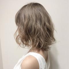フェミニン ミルクティーベージュ ベージュ ガーリー ヘアスタイルや髪型の写真・画像