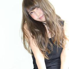 おフェロ ロング ゆるふわ フェミニン ヘアスタイルや髪型の写真・画像