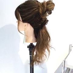ヘアアレンジ ナチュラル デート アウトドア ヘアスタイルや髪型の写真・画像