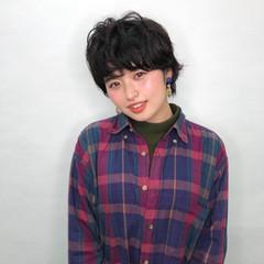アッシュグレー 暗髪 ナチュラル アッシュ ヘアスタイルや髪型の写真・画像