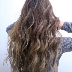 ナチュラル ヘアアレンジ グラデーションカラー ロング ヘアスタイルや髪型の写真・画像