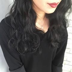 暗髪 ロング 外国人風 ゆるふわ ヘアスタイルや髪型の写真・画像