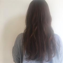 ラベンダーアッシュ ベージュ ロング セミロング ヘアスタイルや髪型の写真・画像