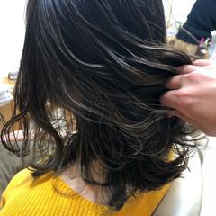 イルミナカラー インナーカラー ハイライト 外国人風 ヘアスタイルや髪型の写真・画像