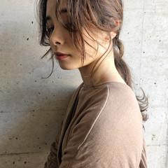 ローポニーテール 簡単スタイリング セミロング ポニーテール ヘアスタイルや髪型の写真・画像