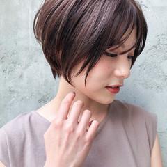 ショートヘア 前下がりショート デジタルパーマ モード ヘアスタイルや髪型の写真・画像