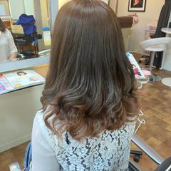 オレンジ オレンジカラー セミロング インナーカラーオレンジ ヘアスタイルや髪型の写真・画像