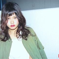 黒髪 フェミニン ストリート ナチュラル ヘアスタイルや髪型の写真・画像