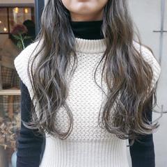 ロング 透明感 暗髪 ナチュラル ヘアスタイルや髪型の写真・画像