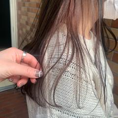 ナチュラル ロング インナーカラー くすみカラー ヘアスタイルや髪型の写真・画像
