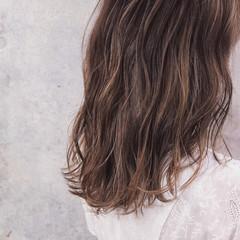 大人ハイライト アンニュイほつれヘア ナチュラル 外国人風 ヘアスタイルや髪型の写真・画像