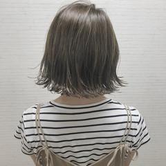 外ハネ ナチュラル インナーカラー 切りっぱなし ヘアスタイルや髪型の写真・画像