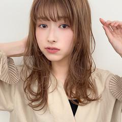 小顔 大人かわいい ナチュラル イルミナカラー ヘアスタイルや髪型の写真・画像