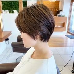 ナチュラル ショートヘア ハンサムショート 大人可愛い ヘアスタイルや髪型の写真・画像