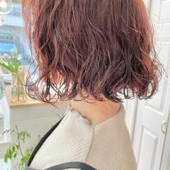 切りっぱなしボブ パーマ ゆるふわパーマ ナチュラル ヘアスタイルや髪型の写真・画像