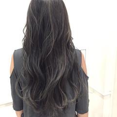アッシュグレー ハイライト 外国人風 ストリート ヘアスタイルや髪型の写真・画像