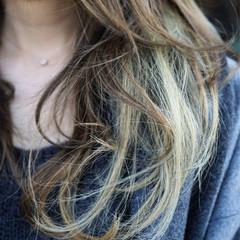 ロング レイヤーカット ハイライト アッシュ ヘアスタイルや髪型の写真・画像