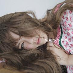 フェミニン ラフ ハイトーン ナチュラル ヘアスタイルや髪型の写真・画像