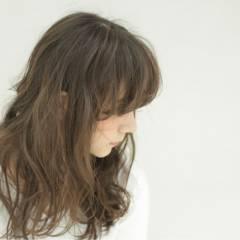 ロング ガーリー 外国人風 シースルーバング ヘアスタイルや髪型の写真・画像