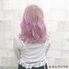 セミロング ピンク 外国人風 ガーリー ヘアスタイルや髪型の写真・画像