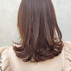 愛され レイヤースタイル セミロング 外ハネ ヘアスタイルや髪型の写真・画像