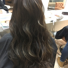 大人かわいい アッシュ グラデーションカラー ナチュラル ヘアスタイルや髪型の写真・画像